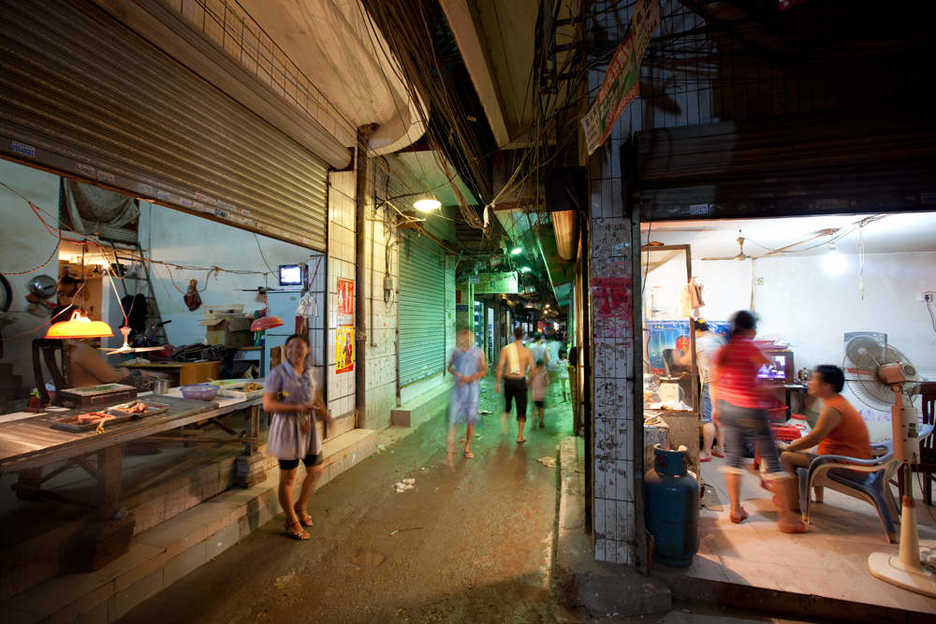 Shops along a narrow alleyway in the east end of Tianhe, Guangzhou, China.